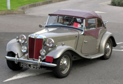 Voitures de Luxe Occasion 1953 MG TD