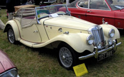Voitures de Luxe Occasion 1953 MG TF