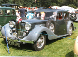 Voitures de Luxe Occasion 1938 MG WA